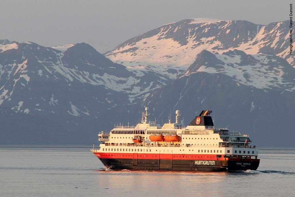 Hurtigruten-Schiff-MS-Richard-With-Norwegen