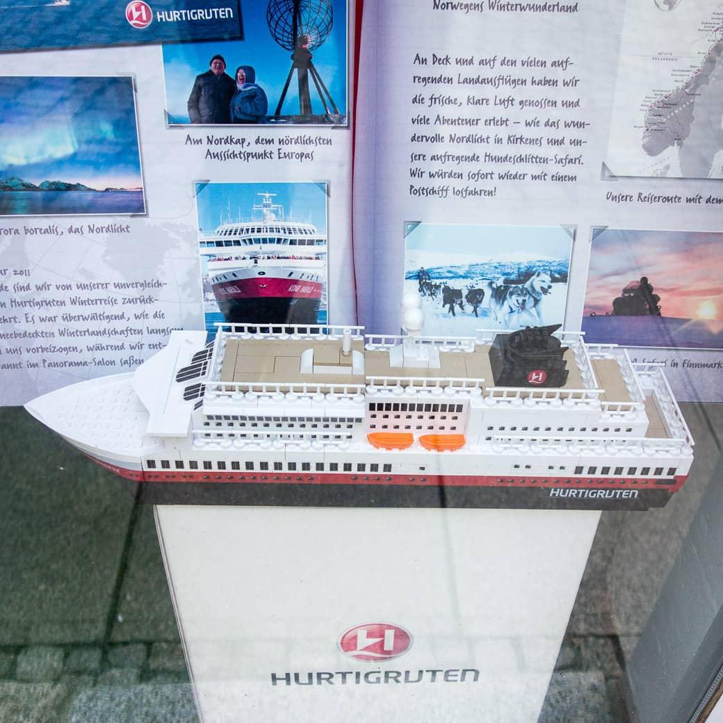 Schaufenster Hurtigruten Reisebüro Kock