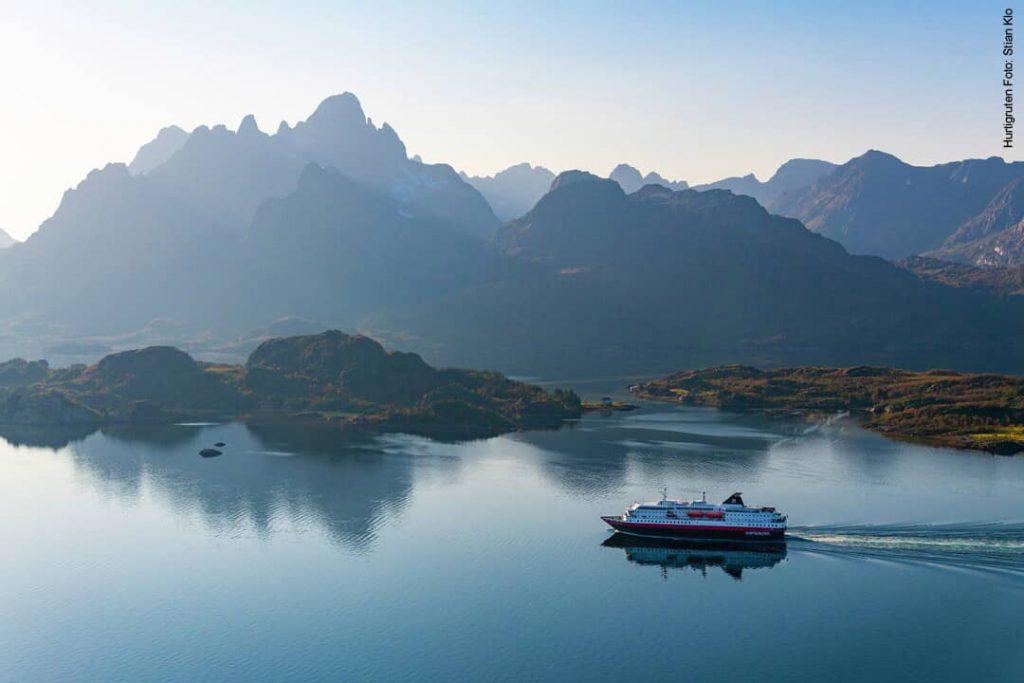 Hurtigruten beste Reisezeit Lofoten Raftsundet Norwegen MS Kong-Harald
