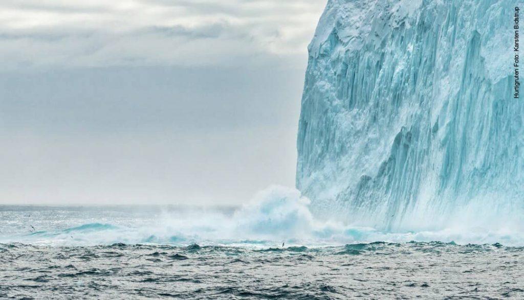 Hurtigruten Antarktis: Drake Passage Eisberg
